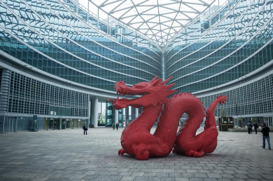 Foto scattata in piazza Città di Lombardia, Milano.